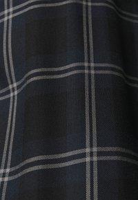ONLY Carmakoma - CARVIKANA - Button-down blouse - sky captain/black - 5