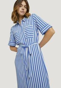 TOM TAILOR DENIM - Shirt dress - mid blue white stripe - 3