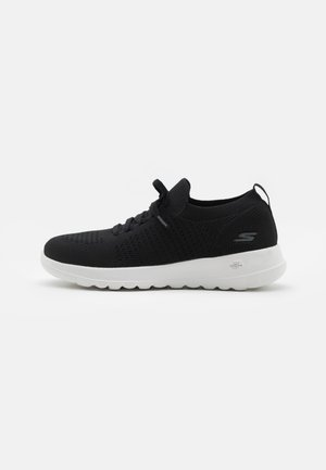 GO WALK JOY - Zapatillas para caminar - black/white