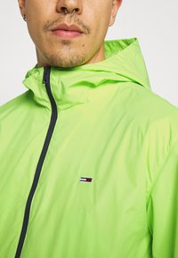 Tommy Jeans - PACKABLE  - Outdoor jacket - green - 4
