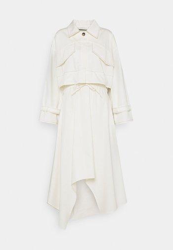 KRISTI SET - Lehká bunda - white