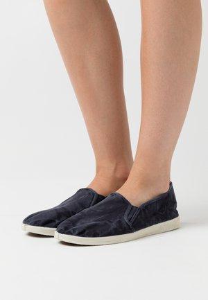 Scarpe senza lacci - marino