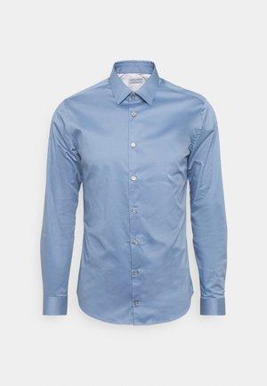 FILBRODIE - Formal shirt - mist blue