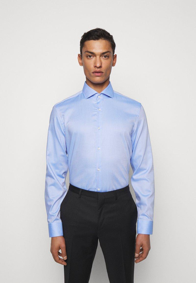 HUGO - KASON - Formal shirt - light pastel blue