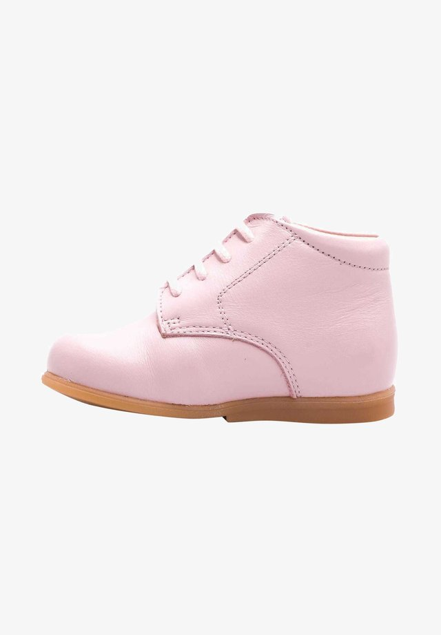 Chaussures premiers pas - rose