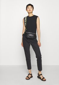 Calvin Klein Jeans - PHOTO PRINT STRAIGHT - Top - black - 1