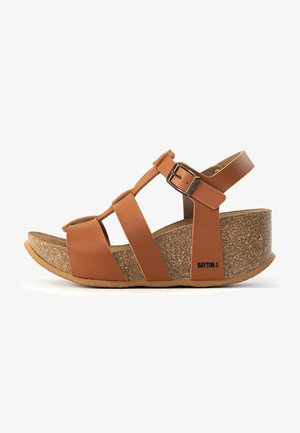 MAJORQUE - Platform sandals - camel