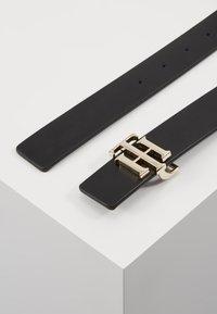 Tommy Hilfiger - REVERSIBLE - Belt - black - 2