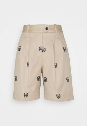 PLEATED CREST - Shorts - dry sand