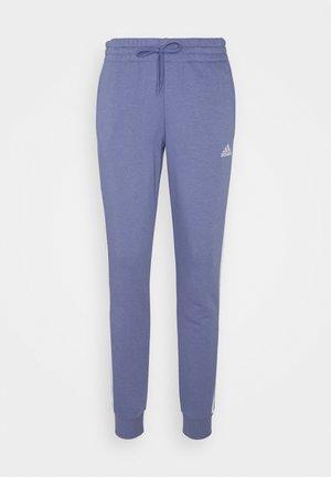 ESSENTIALS FRENCH TERRY STRIPES PANTS - Pantaloni sportivi - orbit violet/white