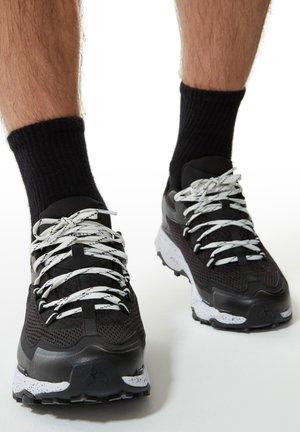 M VECTIV TARAVAL - Chaussures de marche - tnf black/tnf white