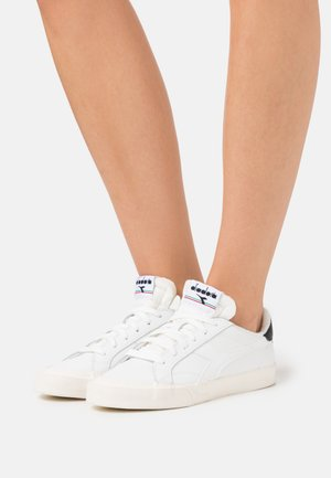 MELODY DIRTY - Trainers - white/black