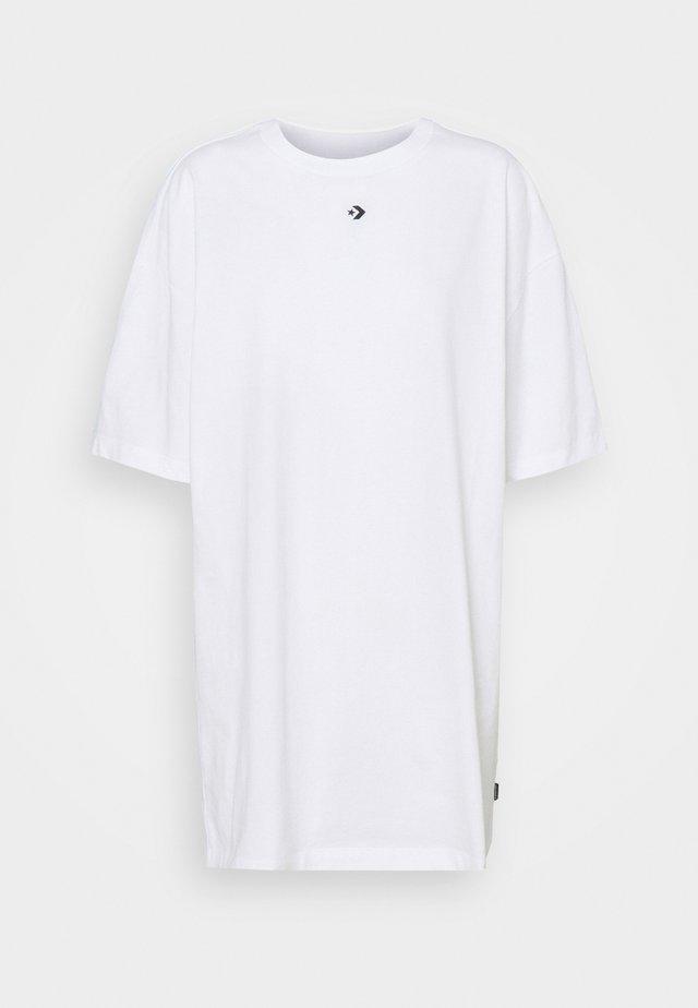 OVERSIZED TEE DRESS - Sukienka z dżerseju - white