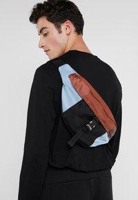 Marni - Bum bag - lake/rust/black - 1