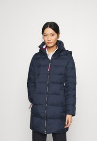 Tommy Hilfiger - GLOBAL STRIPE COAT - Dunkåpe / -frakk - desert sky - 0