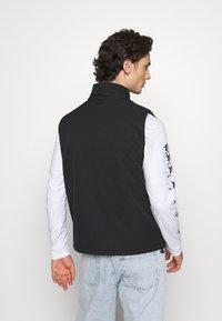Carhartt WIP - COLEWOOD VEST - Waistcoat - black - 2