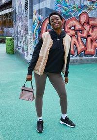 Nike Sportswear - HOODIE - Sweat à capuche - black - 1