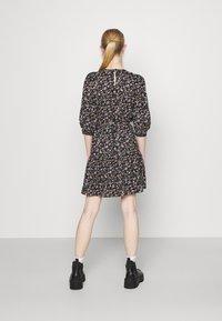 ONLY - ONLRIKKA DRESS - Kjole - black - 2