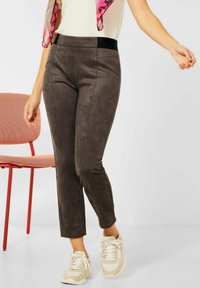 Street One - IN VELOURS - Trousers - braun - 1