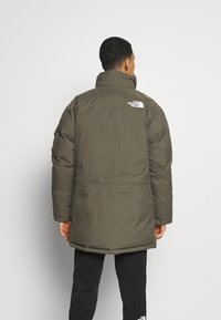 The North Face - RECYCLED MCMURDO UTILITY - Down coat - new taupe green - 5