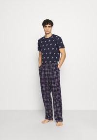 Jack & Jones - JACRIMON PANTS - Pyžamový spodní díl - navy blazer - 1