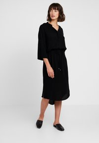 Soaked in Luxury - ZAYA DRESS - Day dress - black - 0