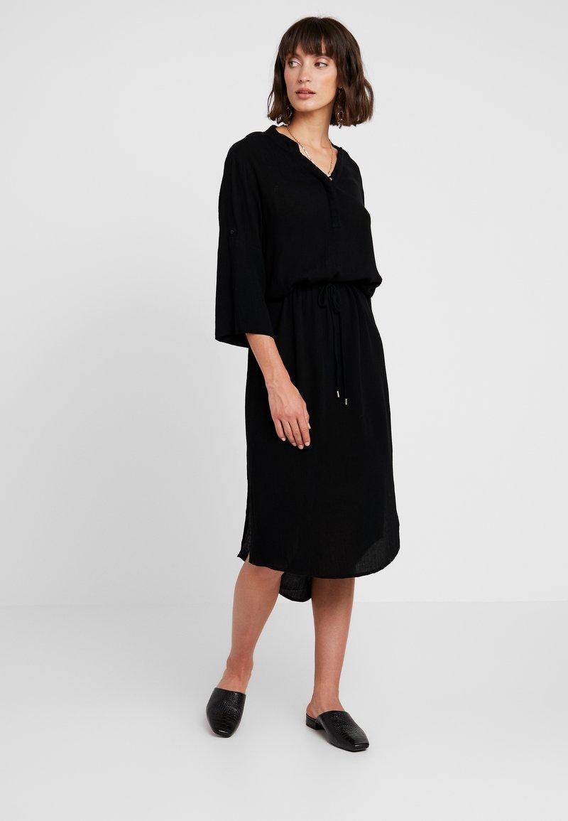 Soaked in Luxury - ZAYA DRESS - Day dress - black