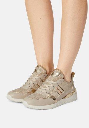 Sneaker low - natur