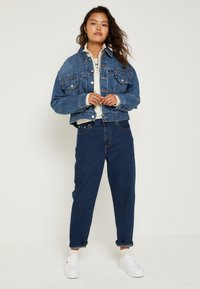 Levi's® - LOOSE TAPER CROP - Jeans relaxed fit - middle road - 2