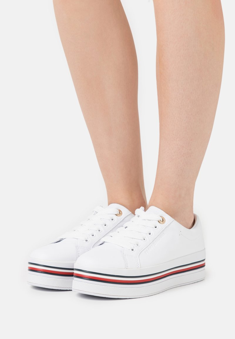 Tommy Hilfiger - CORPORATE FLATFORM CUPSOLE - Trainers - white