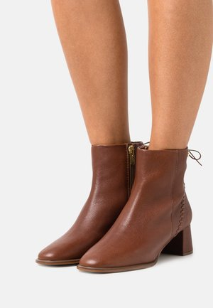 BALIEE - Classic ankle boots - cognac