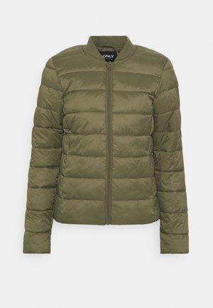 ONLSANDIE QUILTED JACKET - Light jacket - kalamata