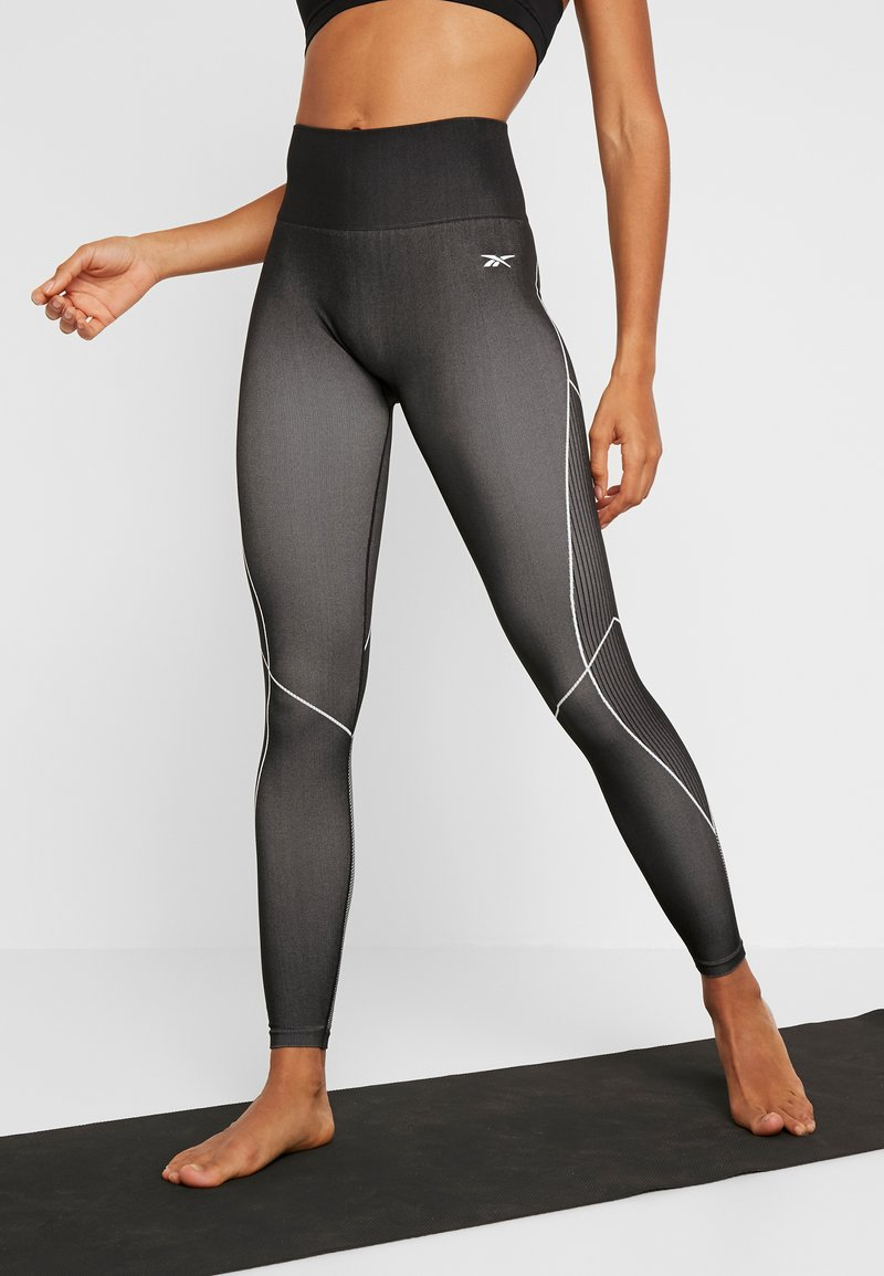 Reebok - SEAMLESS - Leggings - black