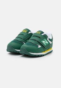 New Balance - IV393BGR - Trainers - green - 1