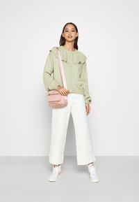 Monki - MIMMI  - Strikjakke /Cardigans - green - 1
