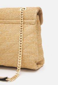 PARFOIS - CROSSBODY BAG SIEN - Across body bag - beige - 3