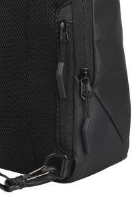 Bugatti - Across body bag - schwarz - 8