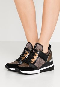 MICHAEL Michael Kors - GEORGIE TRAINER - Zapatillas - bronze - 0