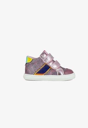Zapatillas altas - rosa/lila