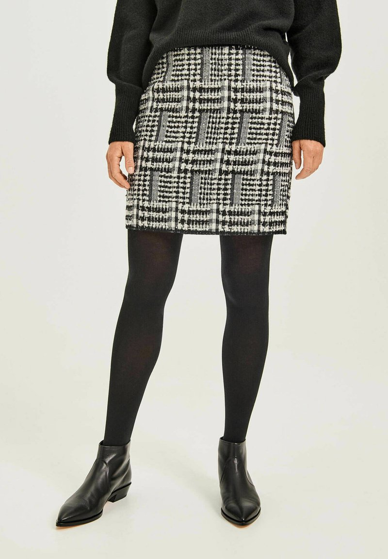 Opus - RAVENNA RETRO TWIST - Pencil skirt - schwarz
