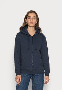 Ecoalf - BASICALF WOMAN HOODIE - Sweater met rits - vintage navy - 0