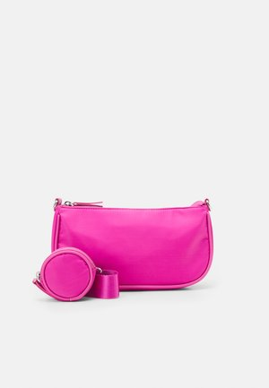 BAG BAGUETTE WITH EARPHONE CASE SET - Handbag - hot pink