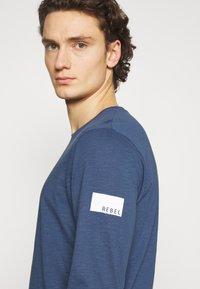 Redefined Rebel - GUTI TEE - Långärmad tröja - dark denim - 2