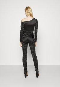 Weekday - SMOCK TROUSER - Pantalones - black - 2