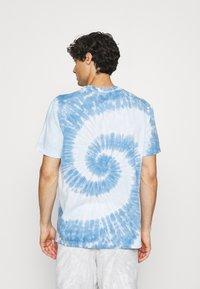 GAP - TIE DYE - Print T-shirt - deep sailor blue - 2