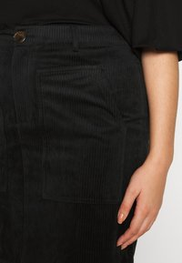 Vero Moda Curve - VMLORA ABOVE KNEE SKIRT - Mini skirt - black