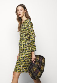 WEEKEND MaxMara - COLONIA - Day dress - limette - 5