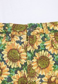 Jaded London - SUNFLOWER TAPESTRY WOVEN SKATE - Trousers - green/yellow - 4