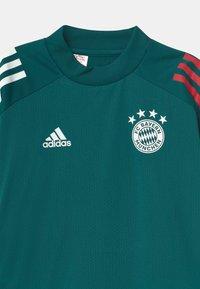 adidas Performance - FC BAYERN MÜNCHEN UNISEX - Club wear - green/red - 2