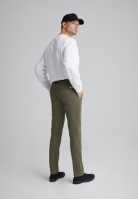 Levi's® - XX CHINO SLIM FIT II - Chinos - bunker olive shady - 2